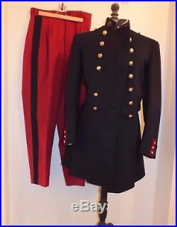 - Ancien uniforme de soldat médecin 1914 bien conservé à voir