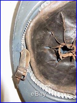 Beau casque ADRIAN de l' Artillerie, modèle 1915, bleu horizon, 1 ère guerre