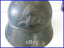 Casque ADRIAN de l' Artillerie, peinture bleu horion, 1 ère guerre mondiale