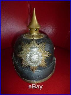 Casque à pointe allemand, avec insigne Saxon