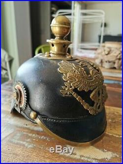 Casque à pointe d'artilleur prussien