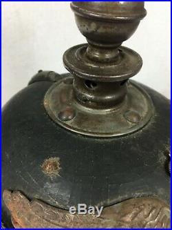 Casque à pointe pickelhaube artillerie de la Garde boulu 1915 impacté