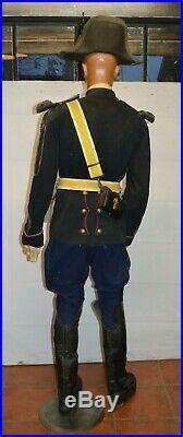 Mannequin gendarme départemental à pied 1884-1889