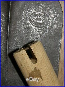 Pelle pioche Seurre modèle 1909 GOUVY 1914 avec étui et manche outil poilu