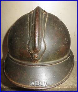 Rare casque ADRIAN de Chasseur, peinture noire, 1 ère guerre. A voir absolument