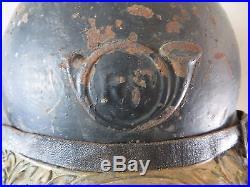 Rare casque ADRIAN de Chasseur, peinture noire, complet, 1 ère guerre. Jus