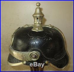 Rare casque à pointe, spilkelmet Casque Officier de la Police Prussienne. A voir