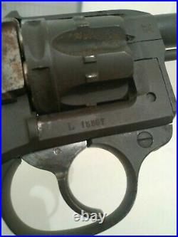 Revolver réglementaire français 1892 cal 8mm neutralisé + papiers