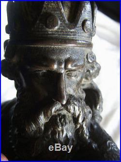 SCULPTURE Empereur Frédéric Ier de Hohenstaufen, dit Frédéric Barberousse REGULE