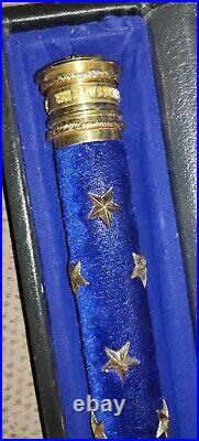 Superbe bâton de Maréchal de France REPRODUCTION de qualité. Livré avec coffret