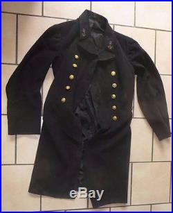 Veste, vareuse, tunique d' un Officier de Marine vers 1900. A voir